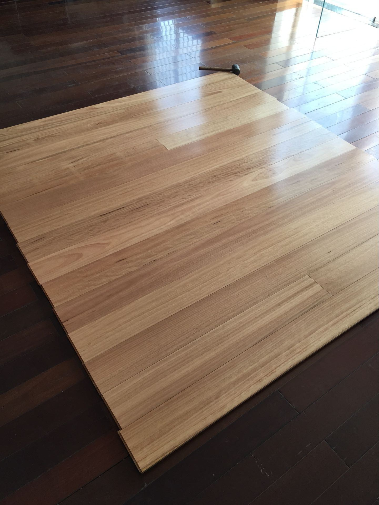 Australian Blackbutt Solid Timber Flooring/Wood Flooring pictures & photos