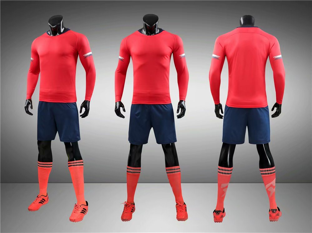 2019 Dry Fit Long Sleeve Football Full Kits with Different Colors pictures & photos