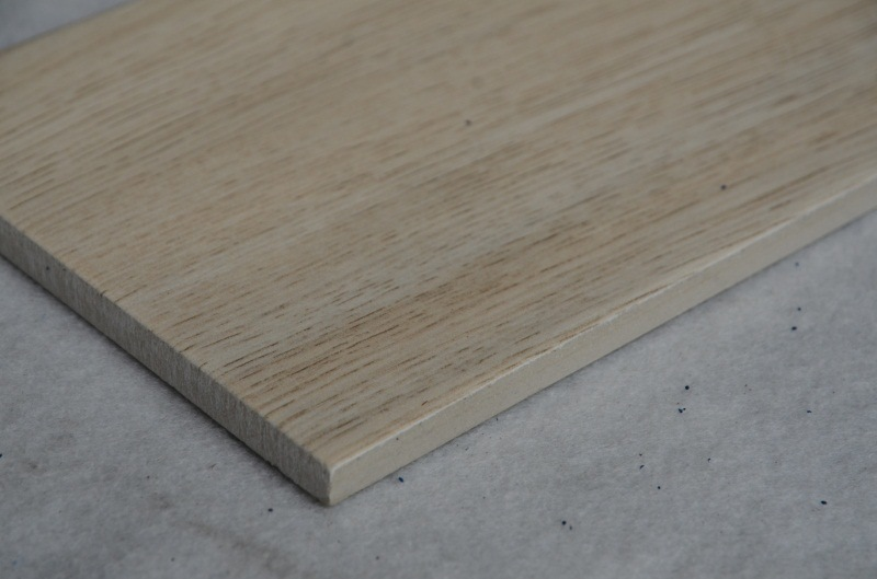 China Indoor Wood Pattern Wood Grain Wood Design Ceramic Floor Tile