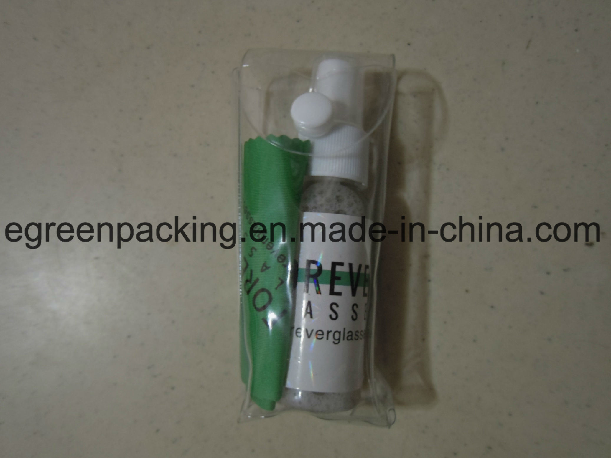 Pet Bottle Lens Spray/Microfiber Cloth/Screw Driver Packing in PVC Pouch pictures & photos