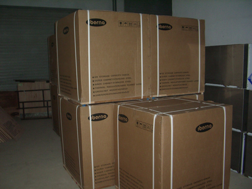300kgs/24hrs Ce Approved Food-Grade Cube Ice Machine pictures & photos