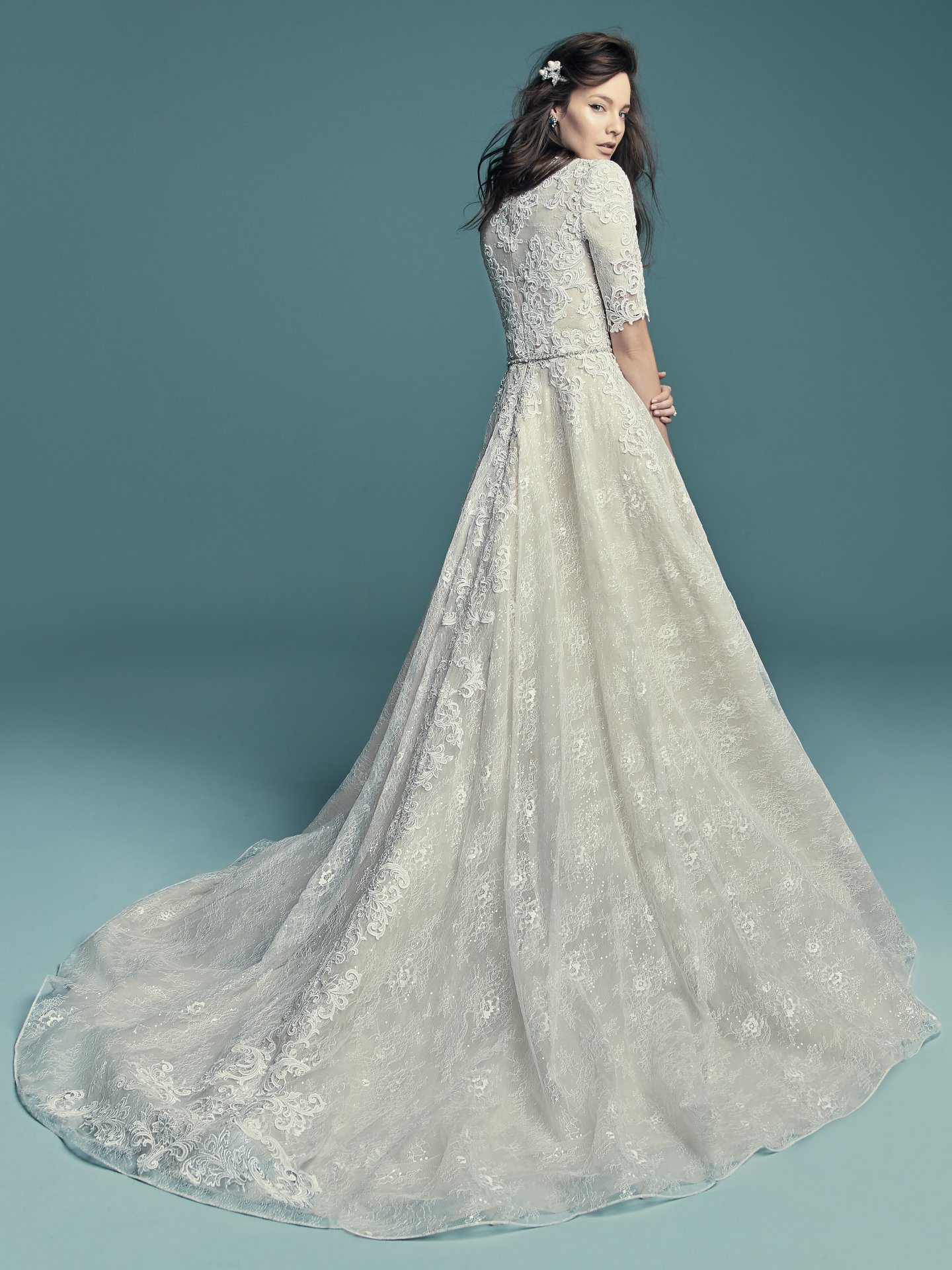 China Short Sleeves Lace Bridal Gowns jewelry Neckline Wedding Dress ...