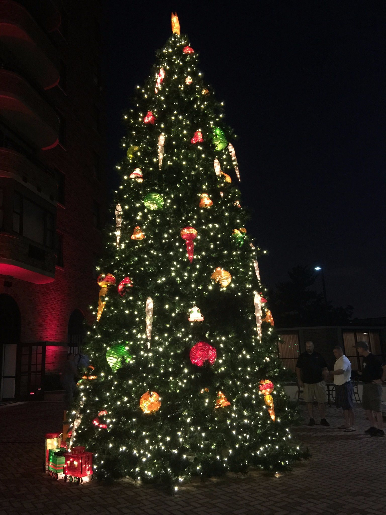 china giant christmas tree for commercial display with full degree led lighting up direct factory china christmas trees artificial trees