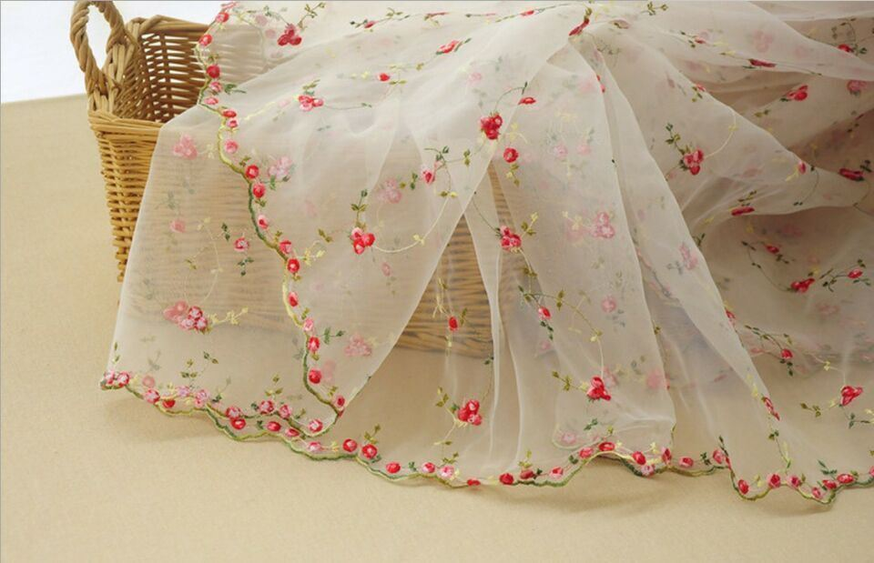 Beautiful Fresh Style Embroidery Lace Fabric for Girls′ Clothes