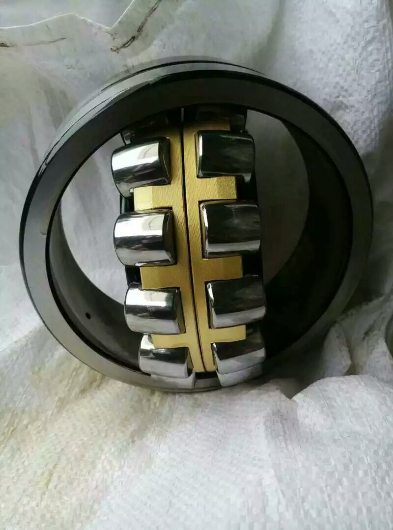 Self-Aligning Auto Bearing Spherical Roller Bearing 22213ca/W33 Wheel Bearing pictures & photos