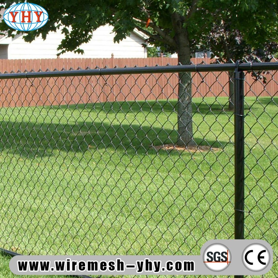 China Black Vinyl Coated 8FT Chain Link Wire Mesh Fence for Baseball ...