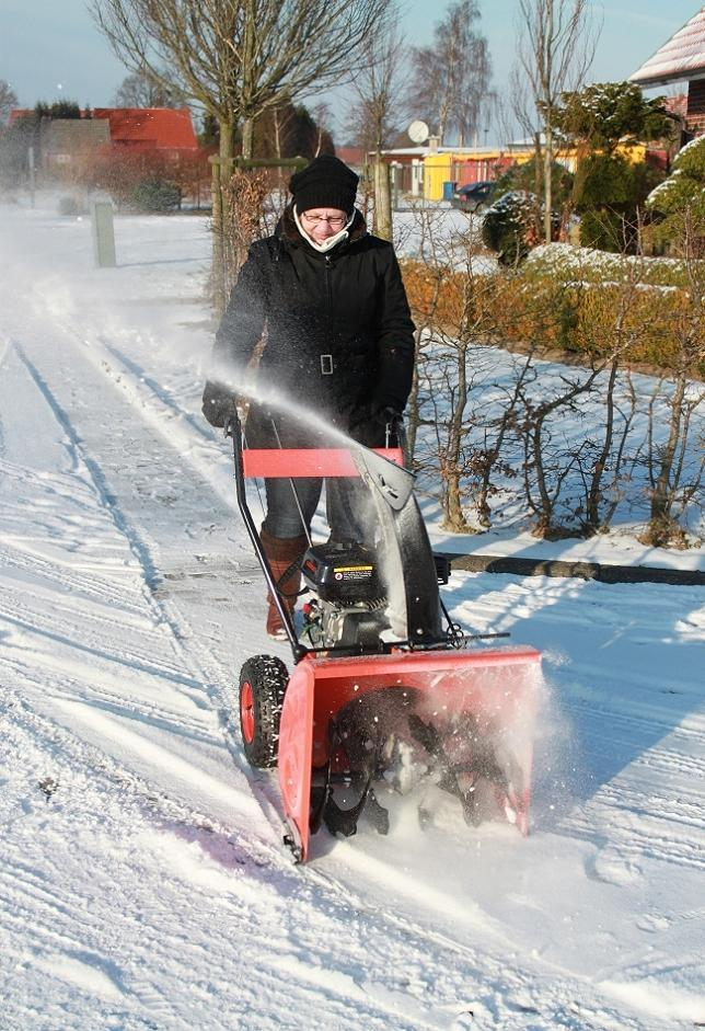 Cheap Gaoline Snow Thrower pictures & photos