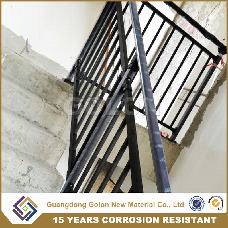 Assembled Corrosion Resistant Outdoor Iron Aluminium Staircase Railing Stair Handrail pictures & photos