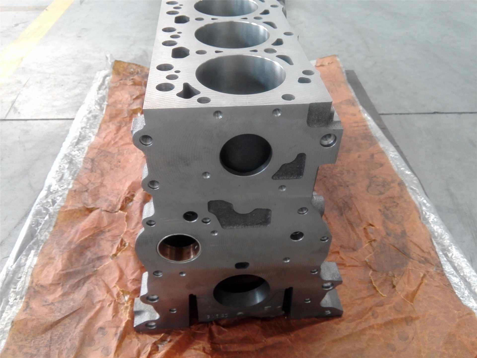Isbe5.9 Cylinder Block Made in Brazil 4089119