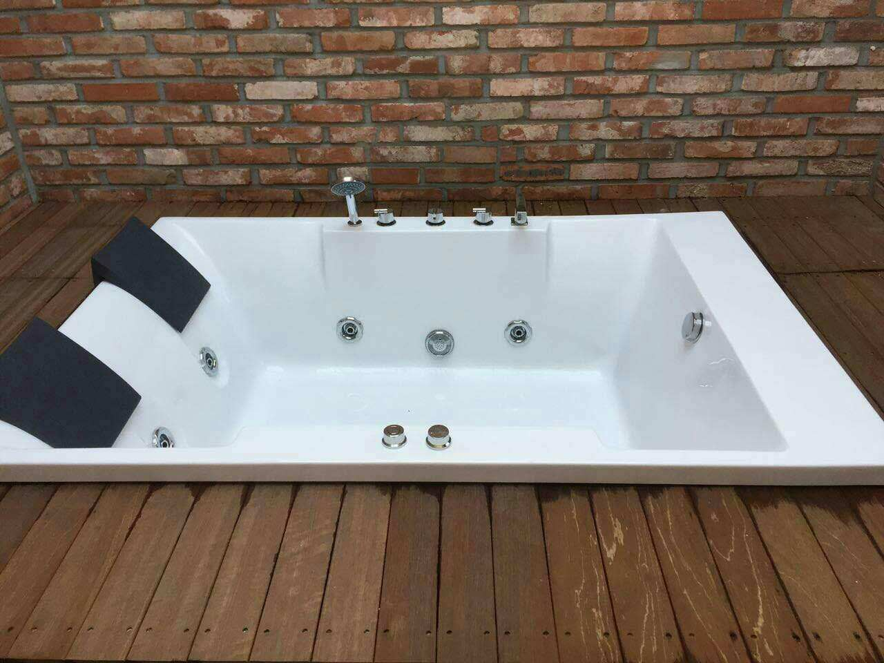 China Classical Design Bathtub Jacuzzi for Two Person (732) Photos ...