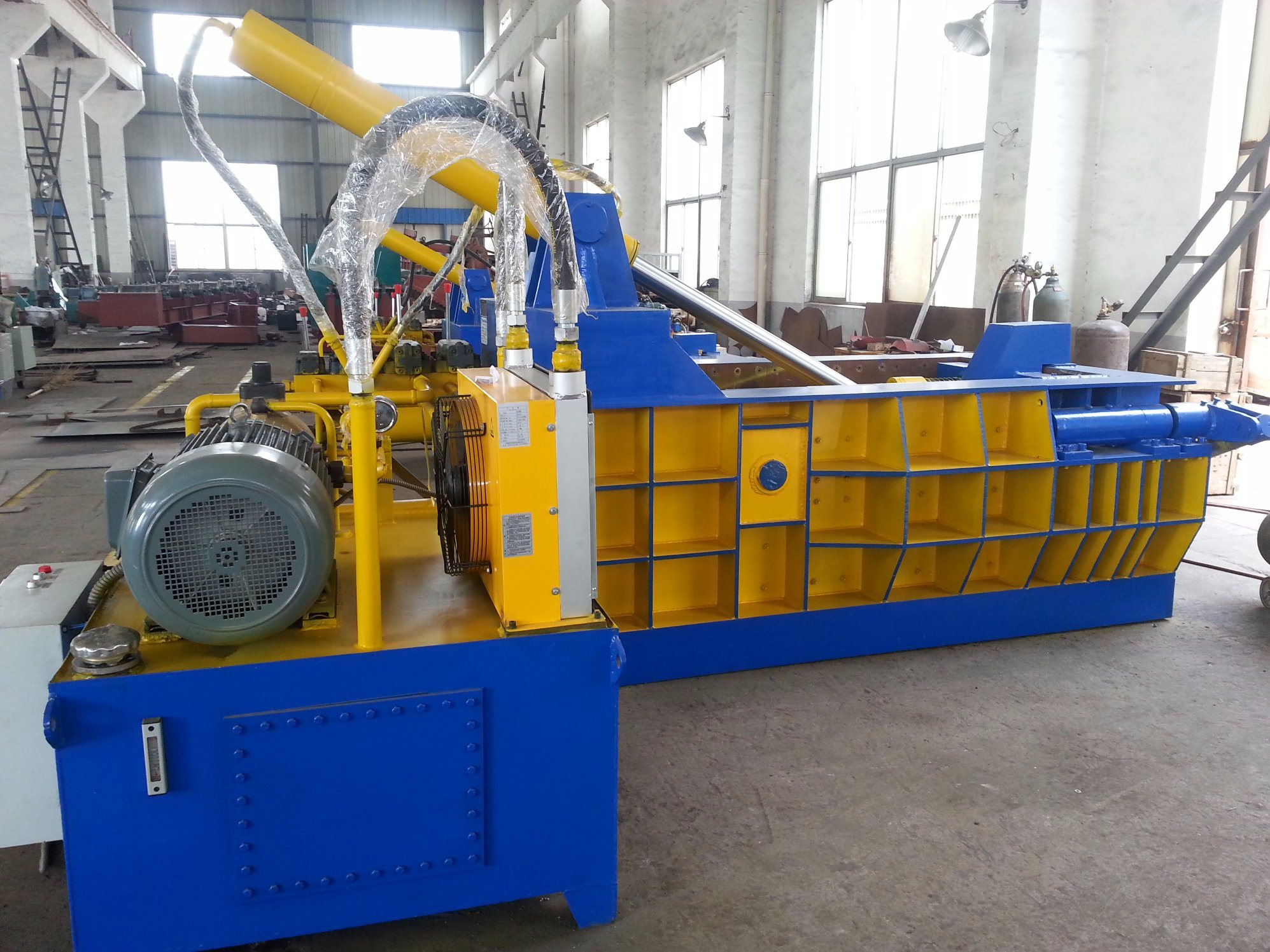 2017 Newest Horizontal Hydraulic Scrap Metal Baler/Compactor/Baling Machine pictures & photos