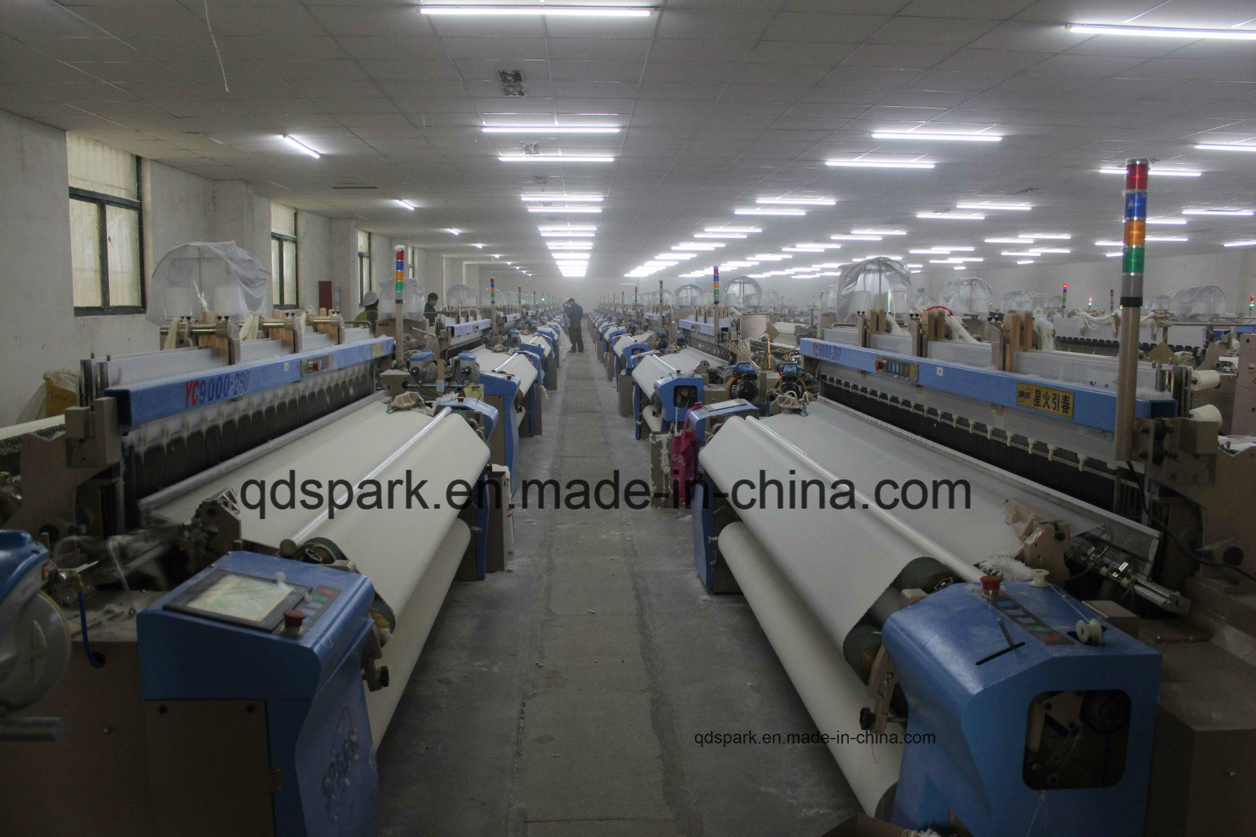 High Speed Air Jet Loom for Cotton Fabric pictures & photos