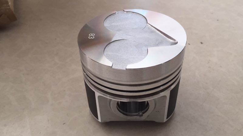 Kubota 1J574-21110 Piston to Tractor Engine 1J574-21112