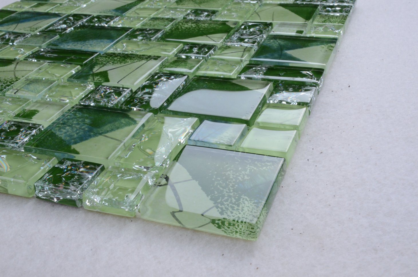 China Ice Cracking Glass Tiles Crackle Mosaic Tile for Sale Mosaic ...