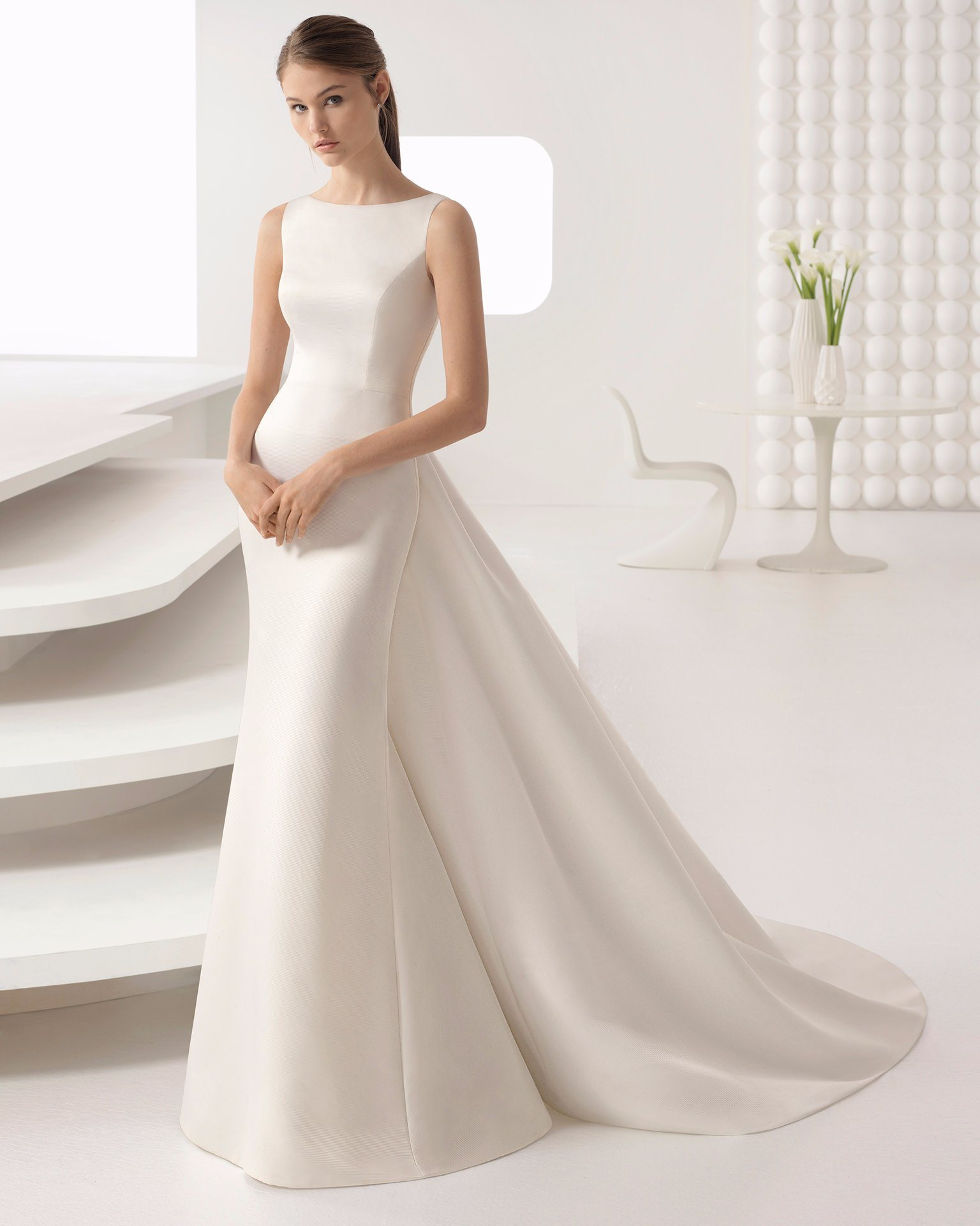 91e5f45929cbf Mermaid Wedding Dress With Removable Train