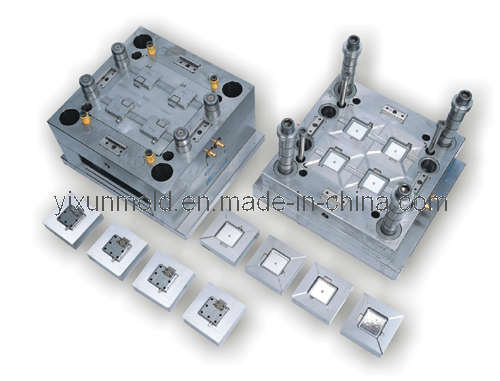 China Manufacturing Plastic Switch Cover Mould / Mold