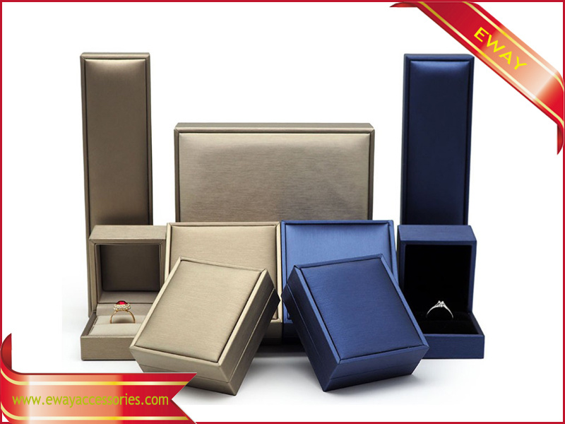 Fashion Gold Leather Jewelry Box PU Jewelry Set Box pictures & photos