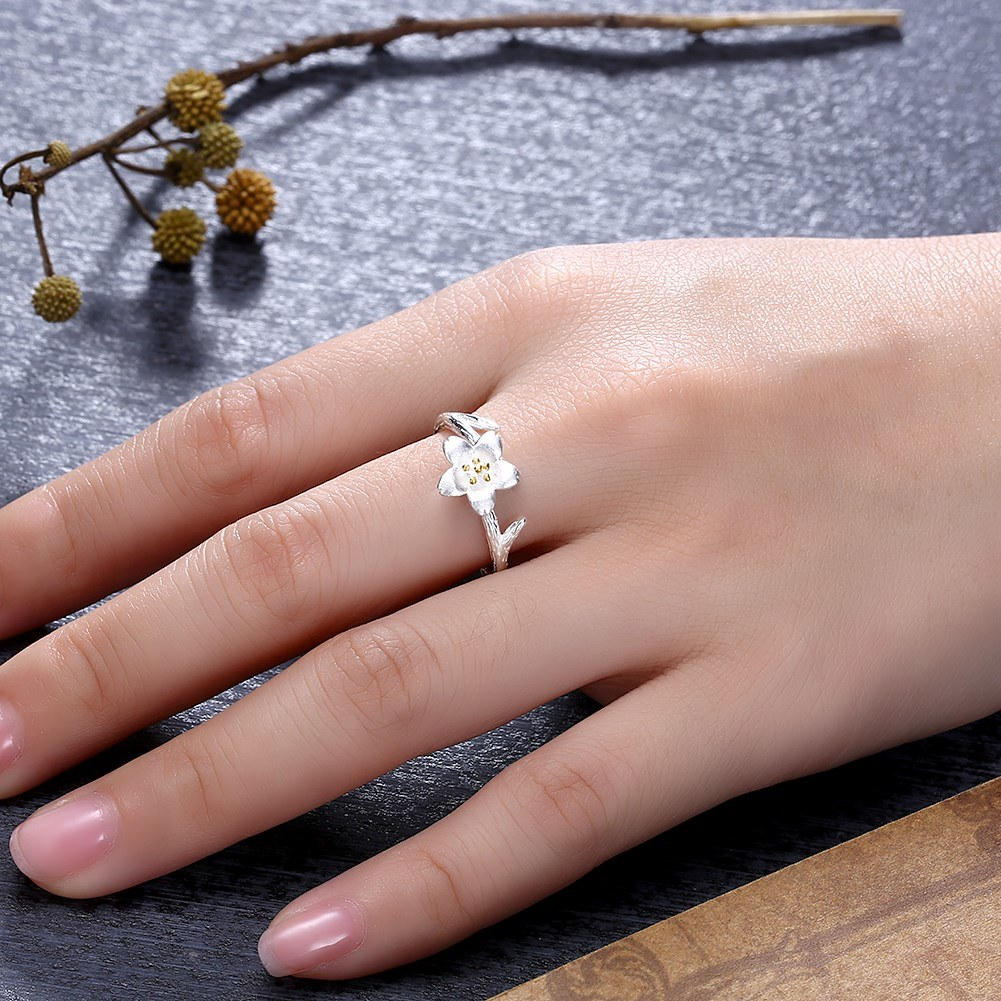 China 2018 Latest Design 925 Sterling Silver Flower Ring for Wedding ...