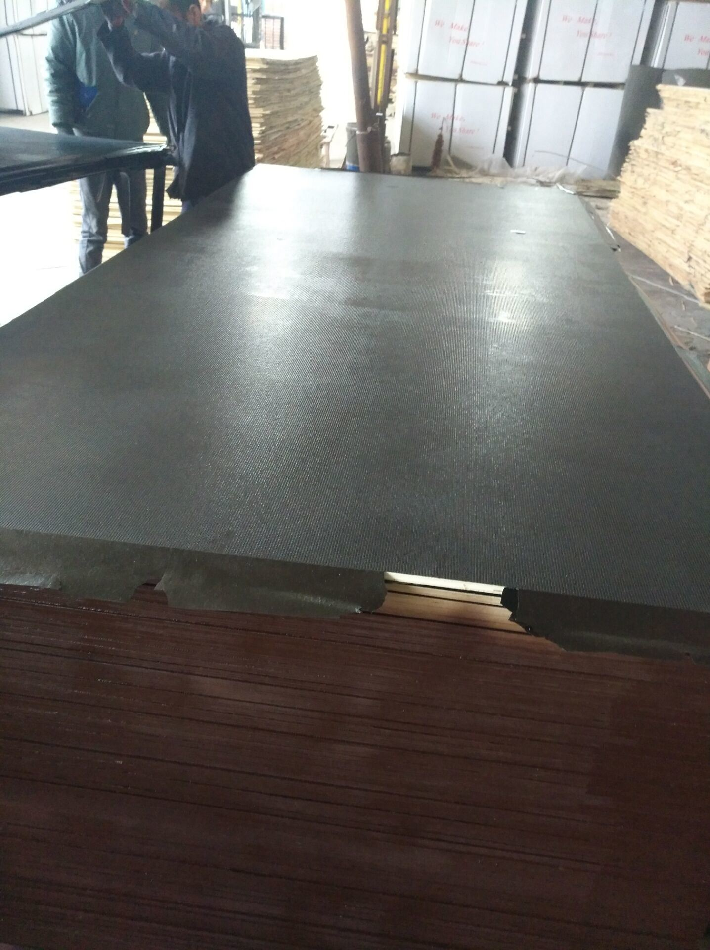 2017 Hot Sale Film Faced Plywood for Constrcution/Concrete Formwork pictures & photos