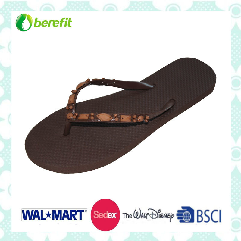 PE Sole and PVC Upper with Beed Decoration, Slippers