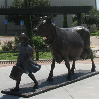 Large Outdoor Garden Decoration Life Size Bronze Cow Statue Sculpture