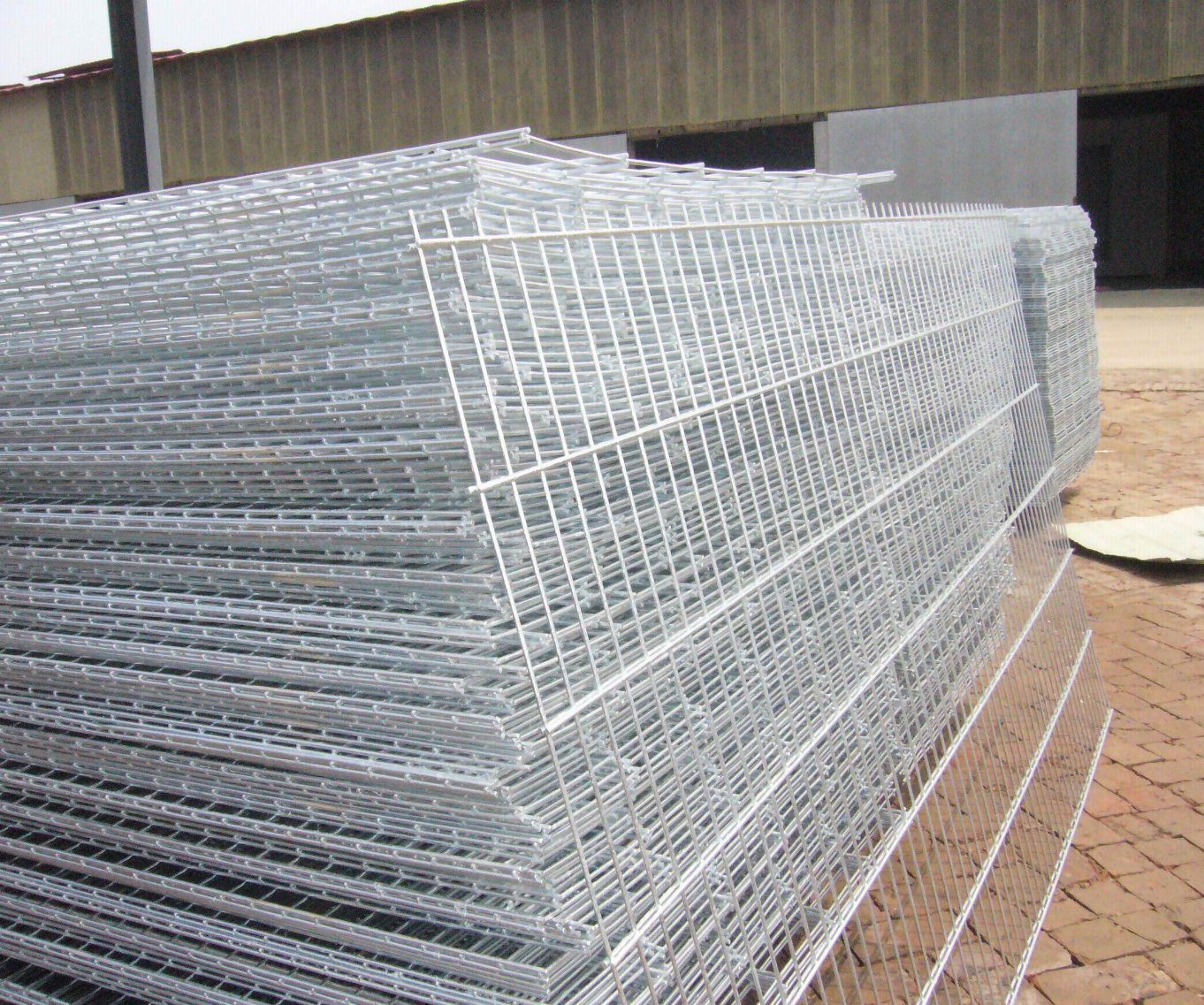 China PVC Coated 3D Wire Mesh Fence/ Welded Garden Fence Panels ...