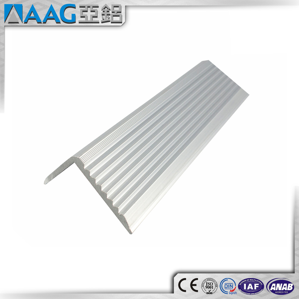 Solar Panel Extruded Aluminum Frame pictures & photos