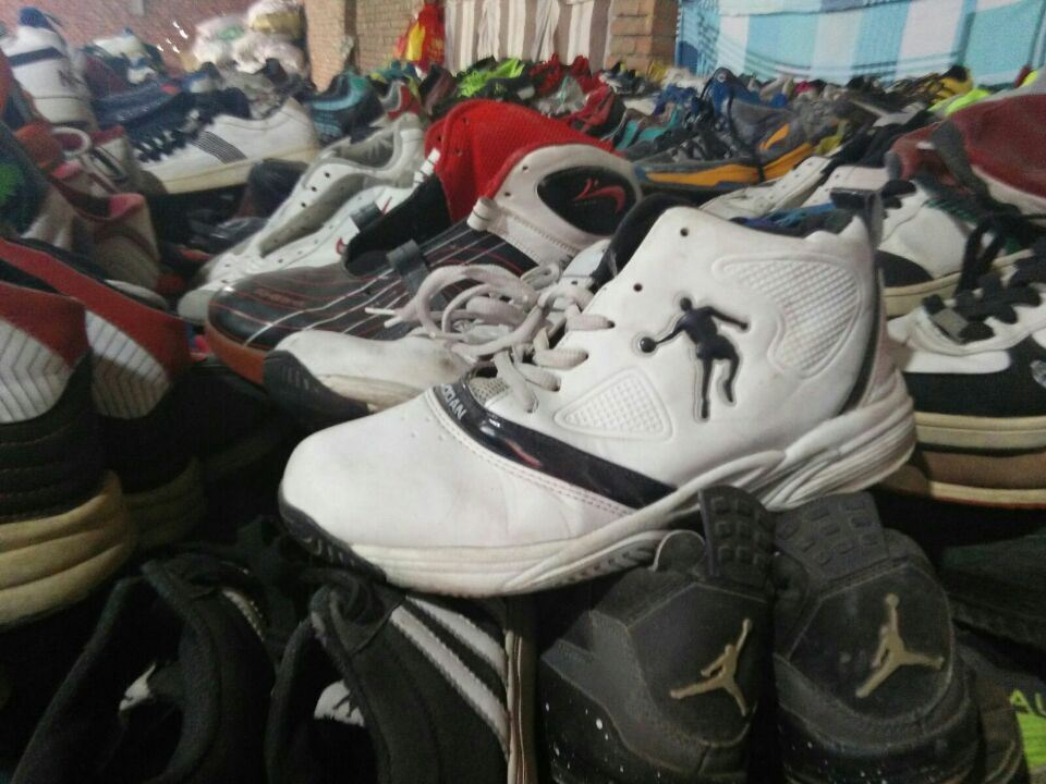 China A Grade Used Second Hand Shoes