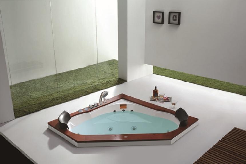 China Pentagon Small Built-in Massage Tub M-2035 - China Whirlpool ...