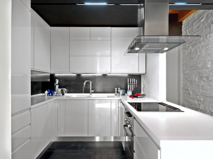 China Home Used High Glossy White Lacquer Kitchen Cabinet China High Gloss Kitchen Cabinet White Kitchen Cabinet