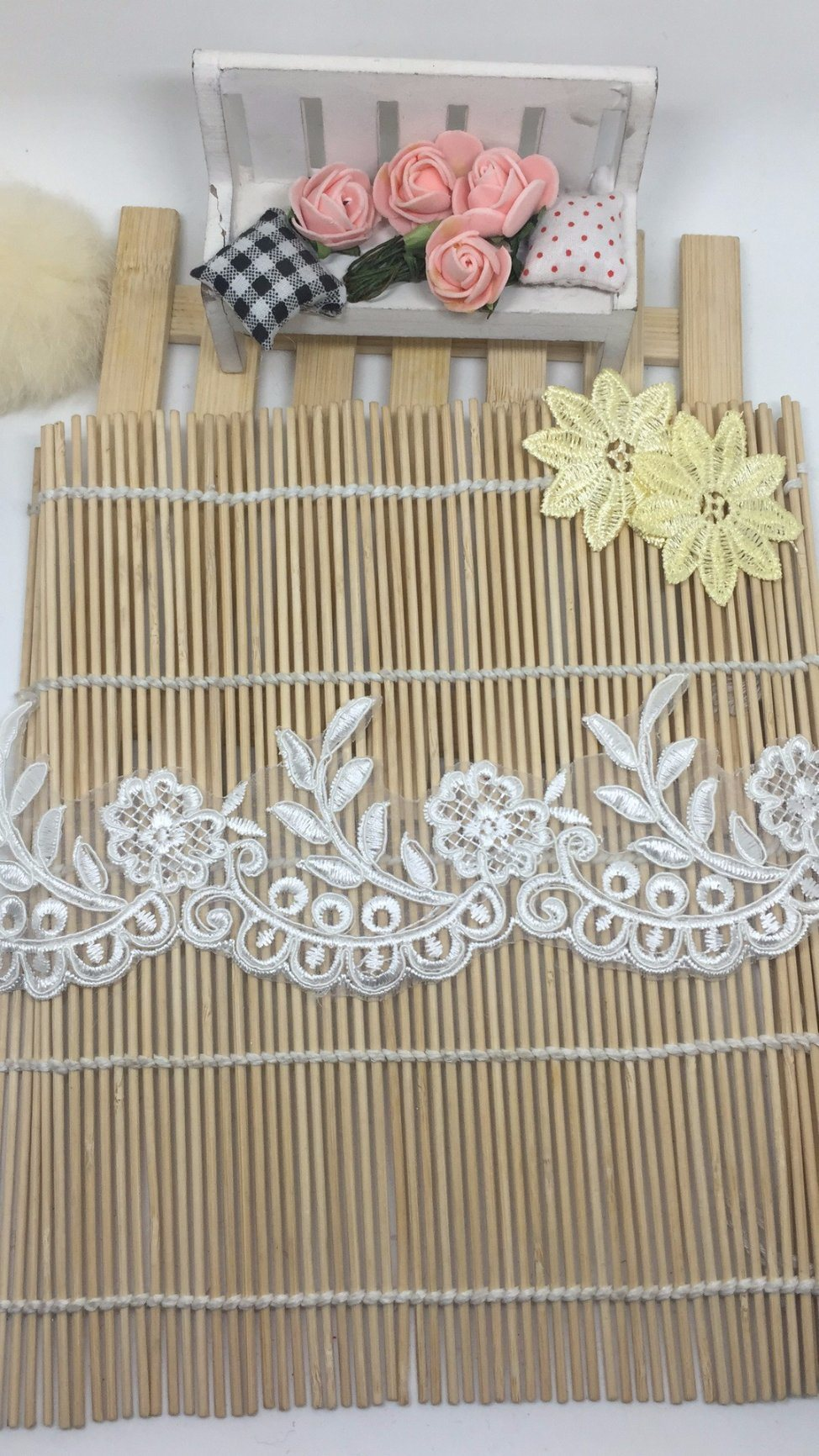 New Design 7.5cm Width Stock Outlet Coiling Embroidery Lace for Garments Accessory & Home Textiles & Curtains