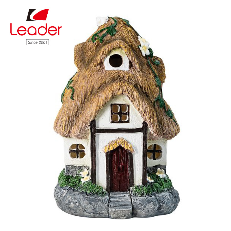 China Hand Painted Resin Solar Fairy Garden House for Garden