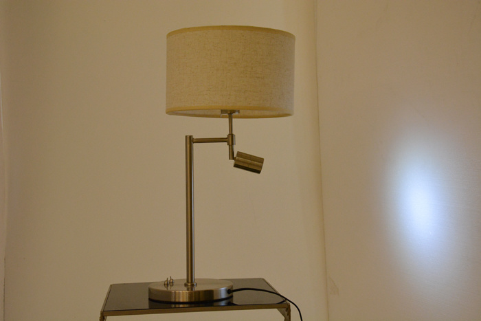 China Modern Hotel Desk Table Lamp With