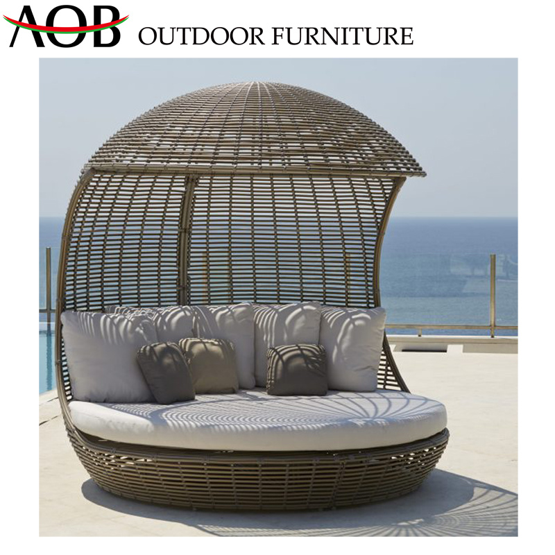 Modern Outdoor Patio Hotel Balcony Chaise Lounge Wicker Rattan Furniture Beach Bed Daybed Sunbed pictures & photos