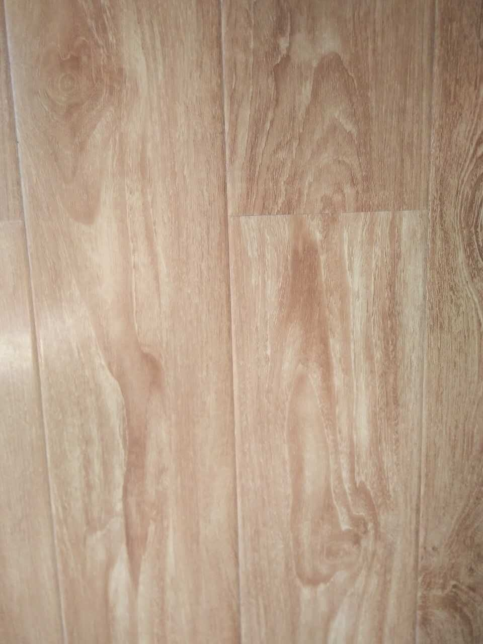 Hot Item Iso 9001 Ce Certification High Gloss Fire Resistance Eco Friendly Laminate Flooring