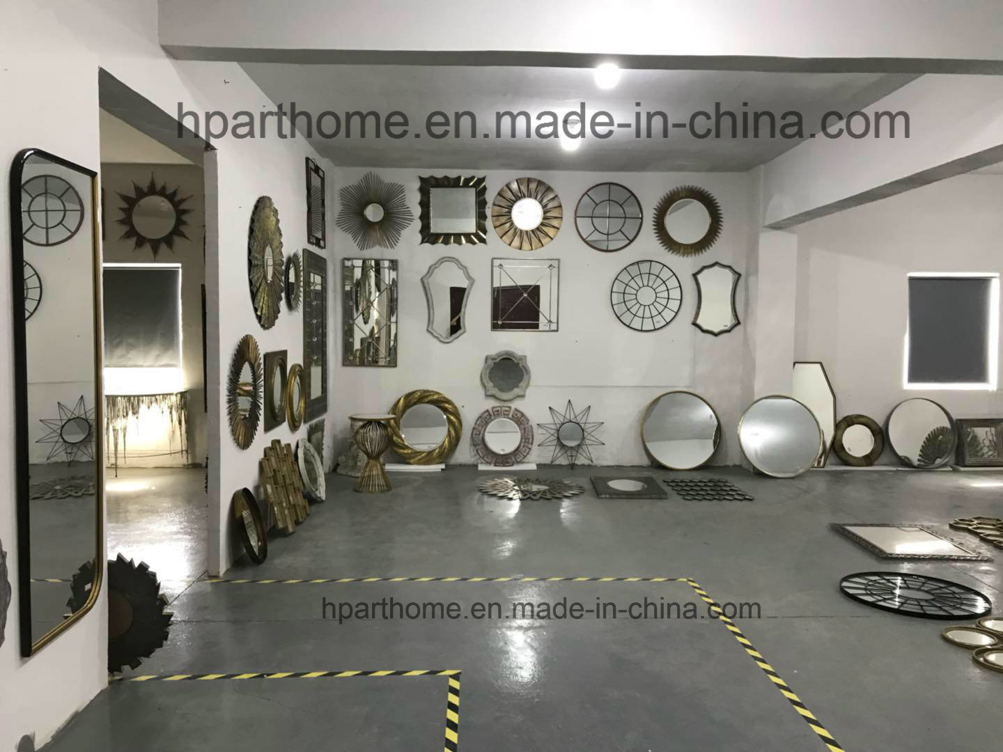 Round Impeccable Simple Premium Quality Home Decor Wall Mirror Supplier