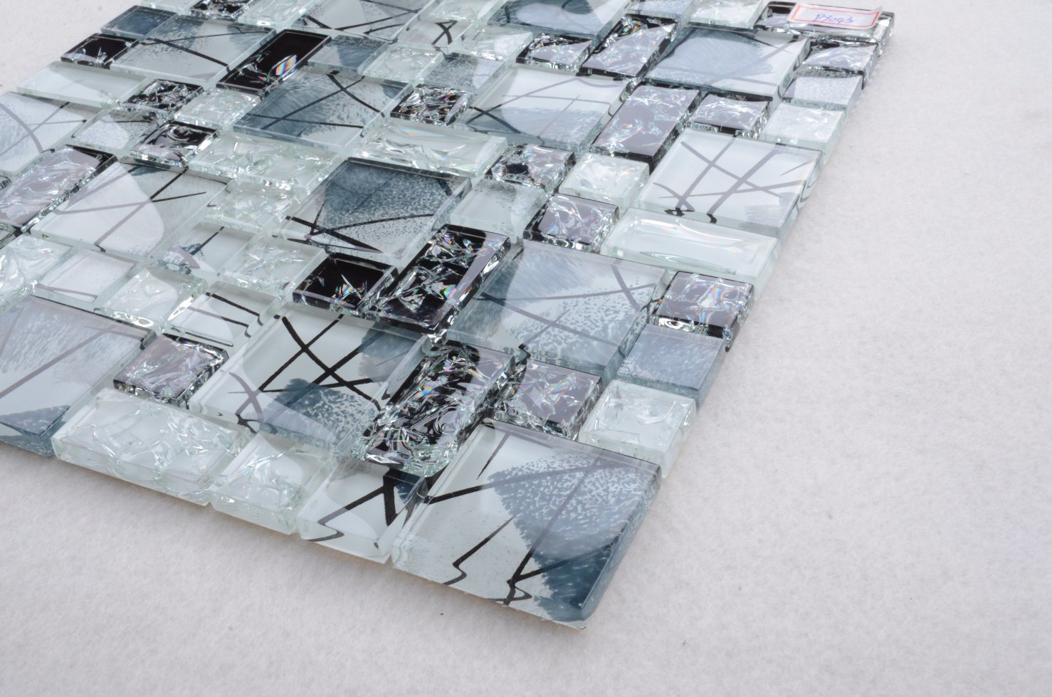 China Cheap Price Europea Style Ice Crack Glass Mosaic Tiles for ...