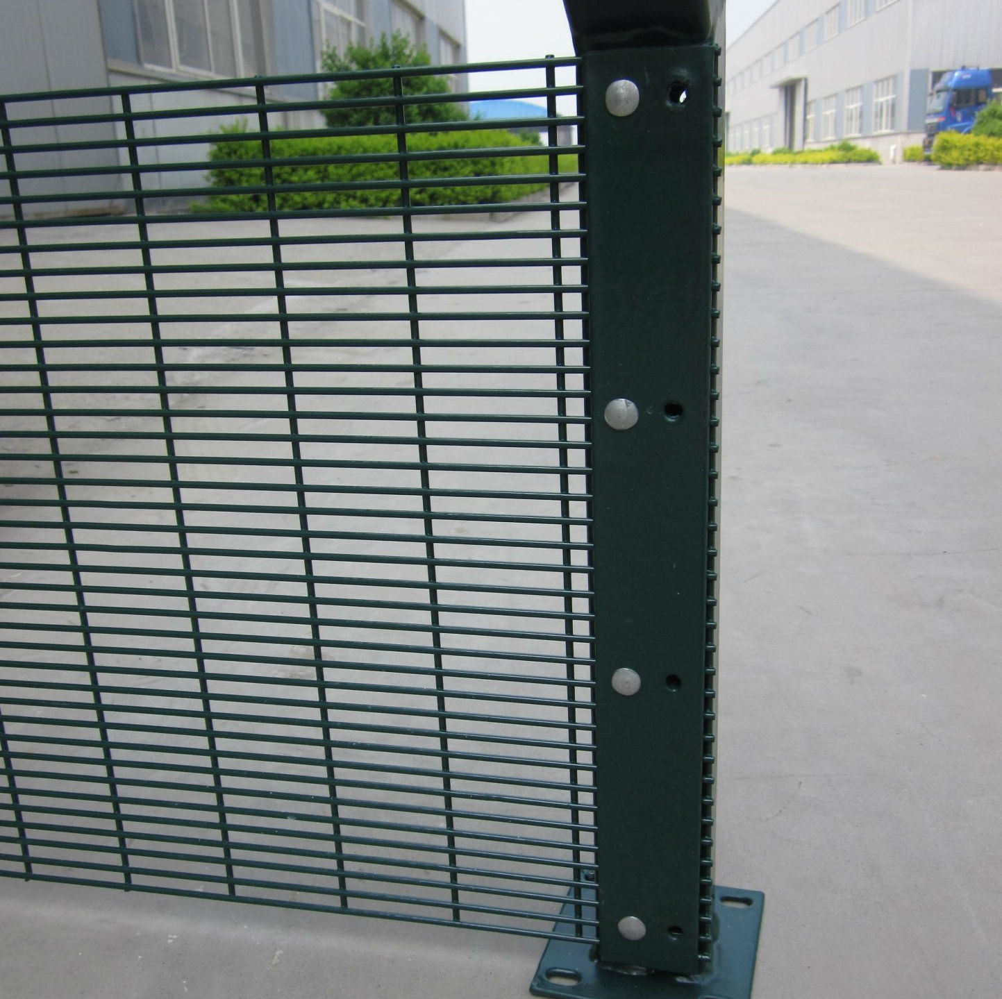China High Security Welded Wire Mesh Fence Panels For Building Wiring A Metal Material With Sgs