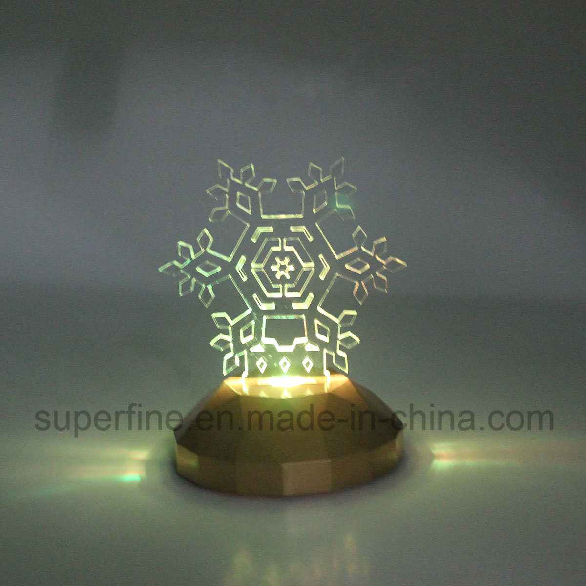 Newest Plastic Romantic Customized Multicolor Indoor Using Party Luminary Snowflake Acrylic LED Light