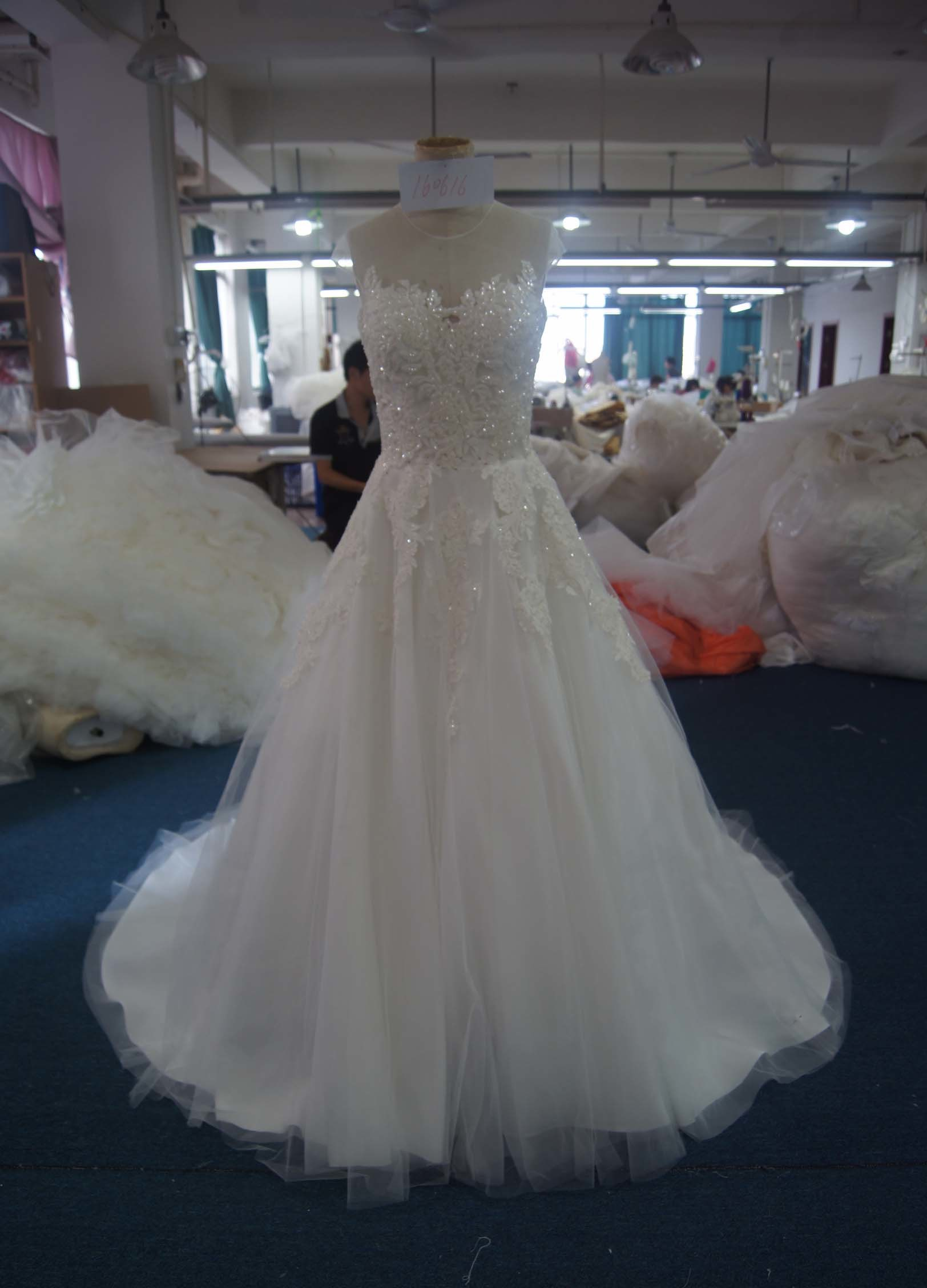 Romantic Tulle Lace Bridal Wedding Gowns pictures & photos