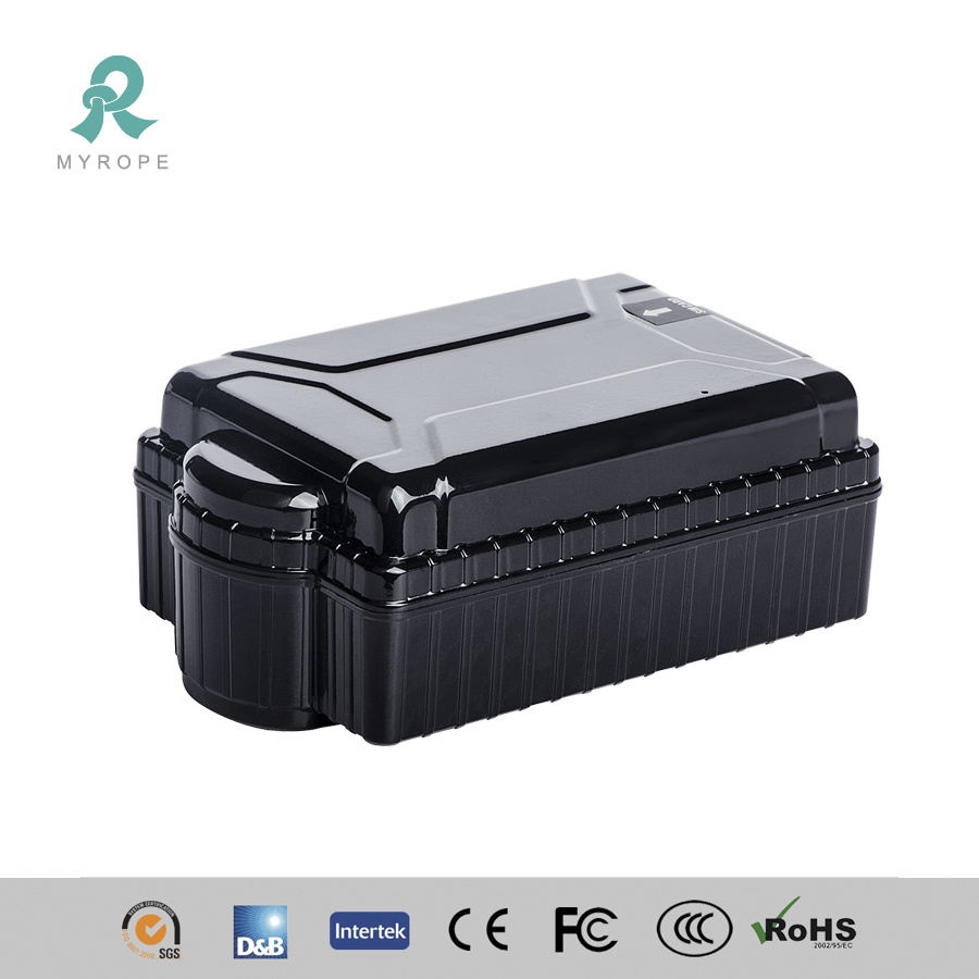 Small Long Battery Life GPS Tracker with Super Magnet for Vehicle Container M588L