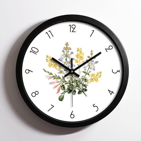 High Quality Simple Mechanical Plastic Wall Clock pictures & photos