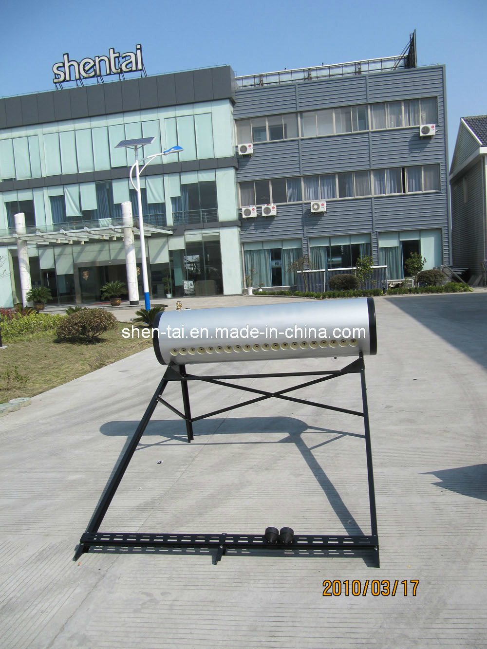 China Integrated Pressure Solar Water Heater with 25 Degree Flat ...