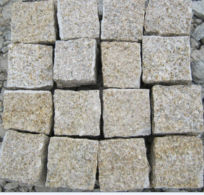 Rusty Yellow Granite G682 Granite Cube Stone Cobblestone Natural Split Flamed pictures & photos