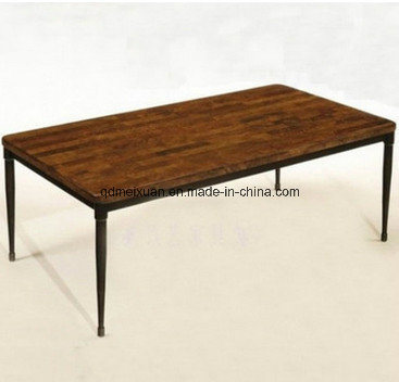 American Country Restoring Ancient Ways Is The Sitting Room Tea Table Edge A Few Real Wooden Desk Wrought Iron Rust Do Old Furniture M X3227