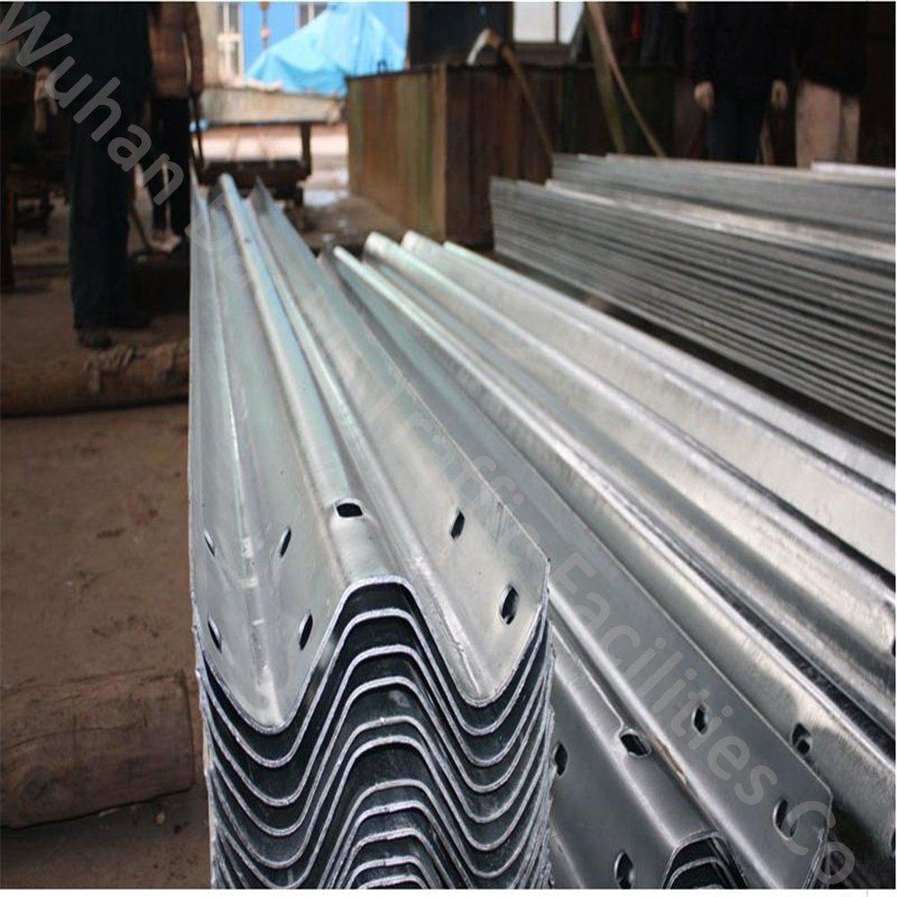 China Metal Beam Crash Barrier Supplier in Pakistan Photos