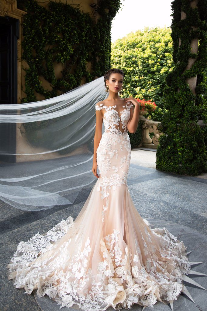 China Real Champagne Wedding Dress Lace Tulle Mermaid Pink Wedding ...