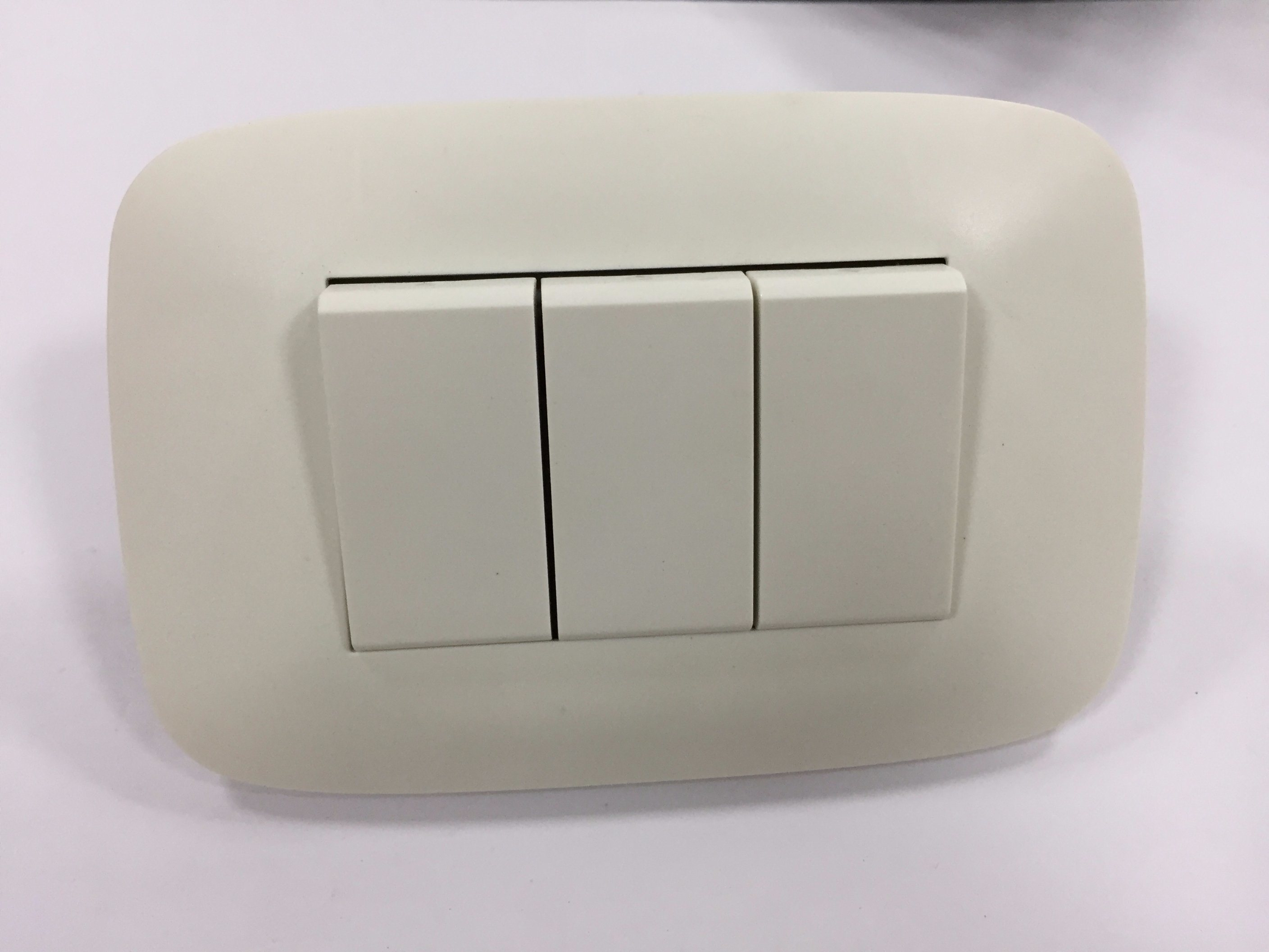 China Power American Standard Electrical Wall Socket Electric Switch ...