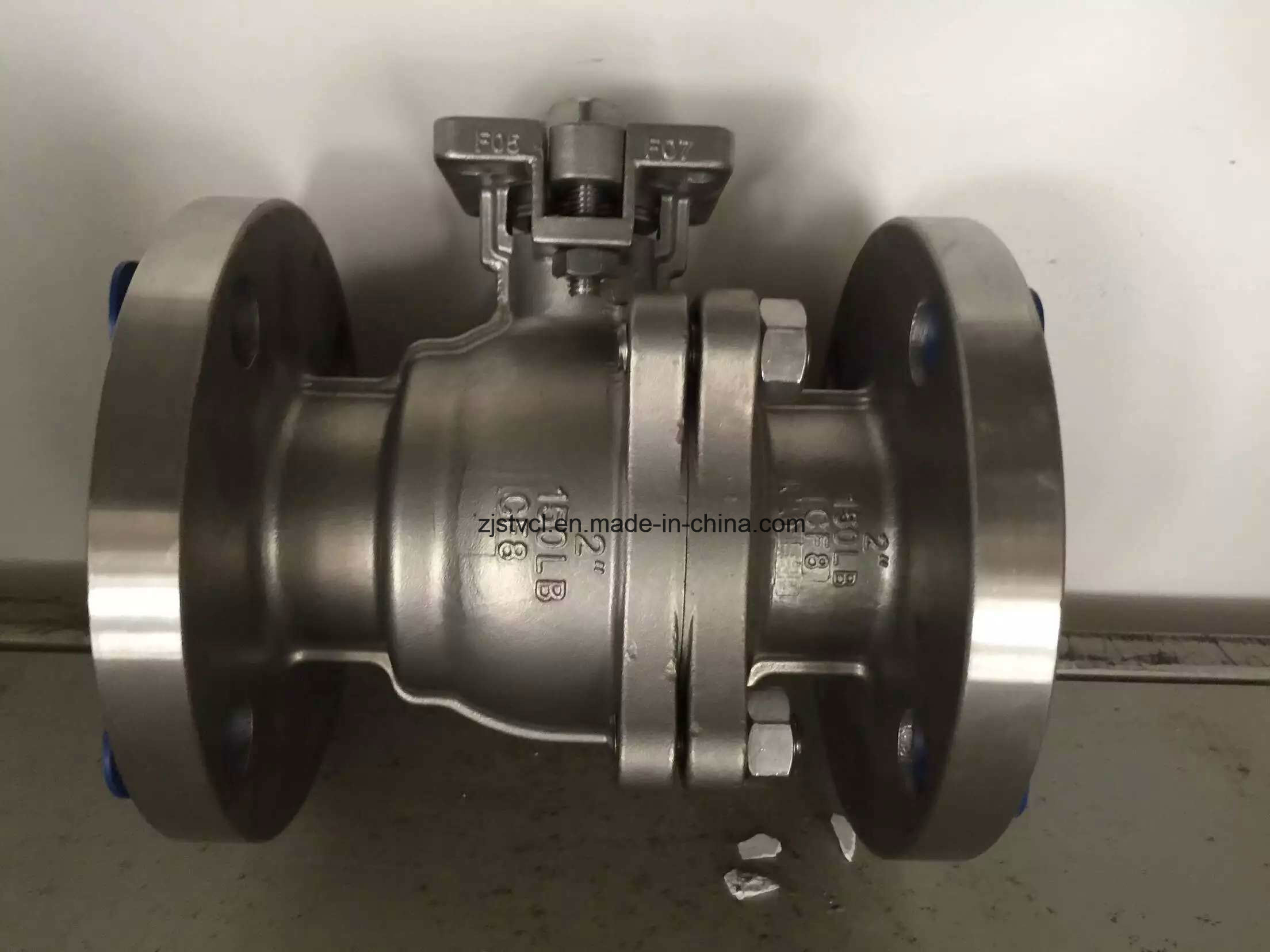 API RF 300lb Carbon Steel Flange Floating Ball Valve pictures & photos