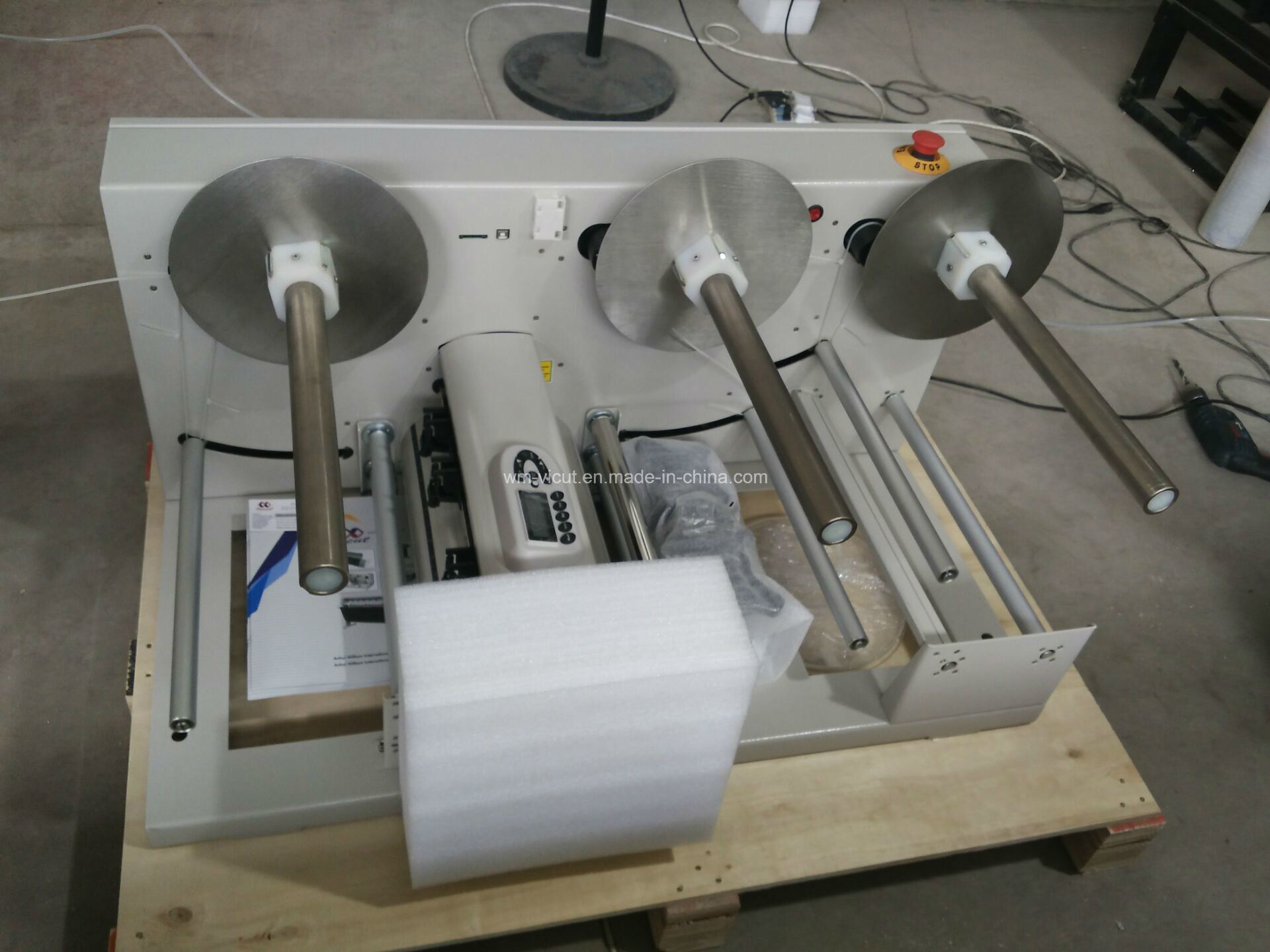 Automatic Roll to Roll Adhesive Label Rotary Die Cutting Machine pictures & photos